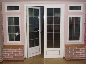 Менталлопластиковые двери
