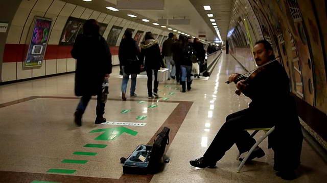 dp-skripach-v-metro-05